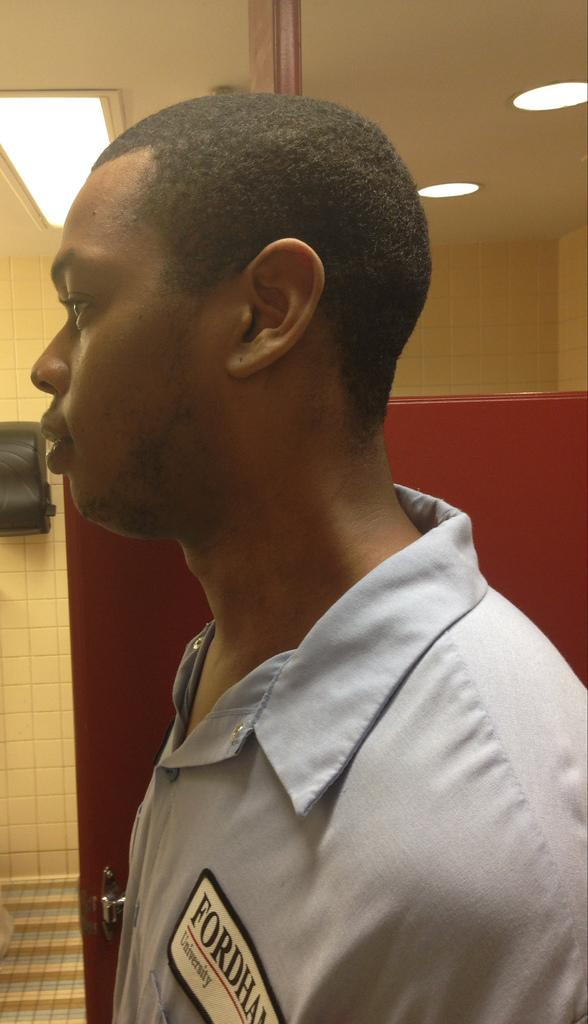 Janitor Rashim Grays is one of many FCLC's night-time workers. (Nanor Hartounian/The Observer)