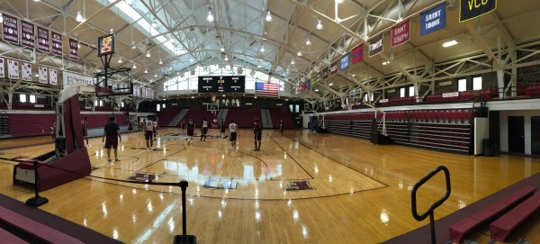 Hours of practice and dedication have made this year's basketball team poised and ready to chase an NCAA tournament berth. (Lauren Macdonald/The Observer)