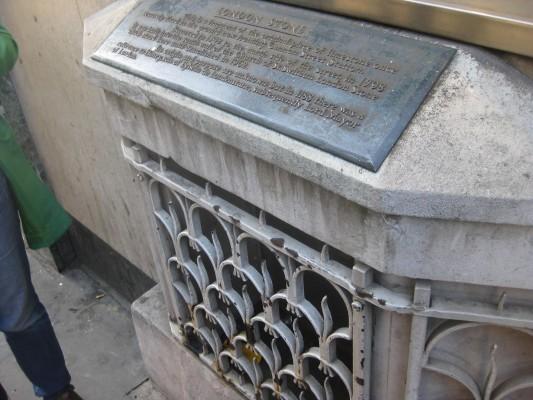 The London Stone (PHOTO COURTESY OF MARISSA SBLENDORIO)