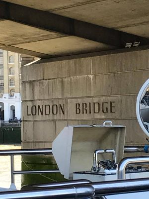 Earlier that Saturday, many students participated in a boat tour that took them directly beneath the London Bridge. (ERIKA ORTIZ/ THE OBSERVER)
